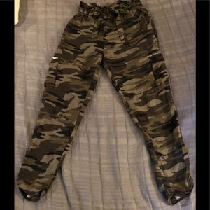 EXPRESS extreme High Rise Camouflage Pants Sz S